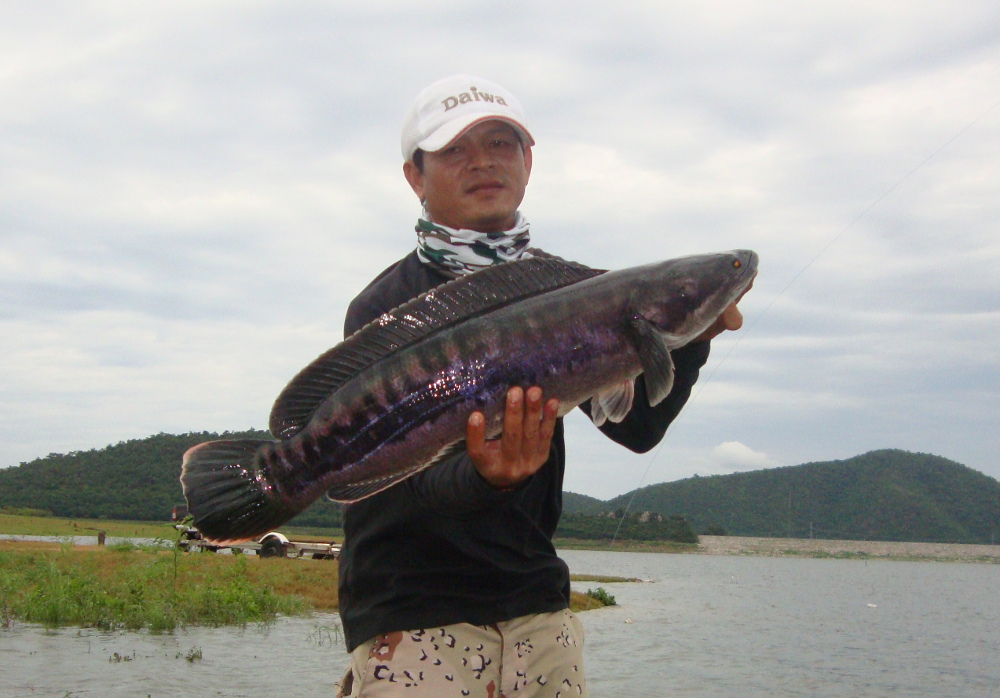 pranburi_reservoir_dam_fishing_in_thaialnd